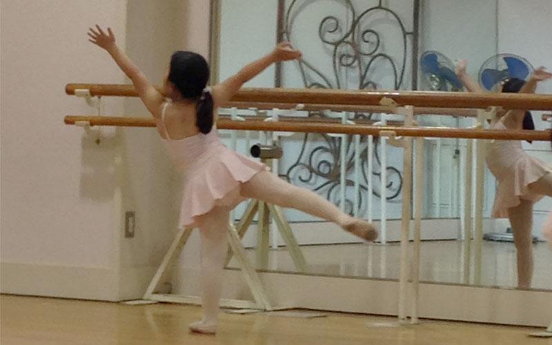 「花とアリス」のバレエ教室はここ!