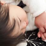 子どもとの添い寝、注意しないとコレになります