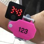 温泉のロッカーキーそっくりな腕時計「♨︎ WATCH S」のガチャをしてみた