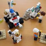 カメラとパソコン付き!「LEGO 60077 宇宙探検スタートセット」